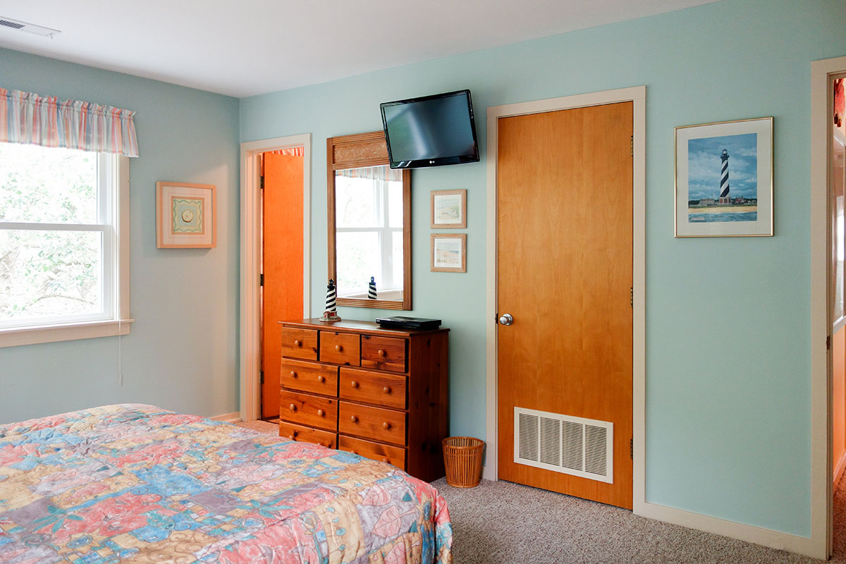 bedrooms for small spaces drift away southern shores realty 14480